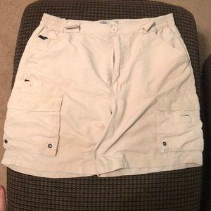 "Aftco 34"" waist cream fishing shorts"